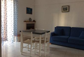 Il pavimento è piastrellato, il salone è con camino Puglia BR Ceglie Messapica