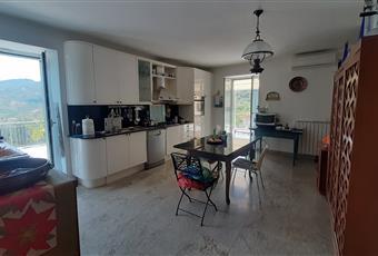 Il pavimento è piastrellato, la cucina è luminosa Campania SA Castellabate