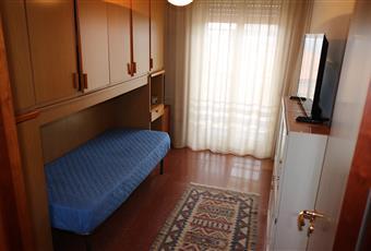 Il pavimento è di parquet, la camera è luminosa, il pavimento è piastrellato Sicilia RG Ragusa