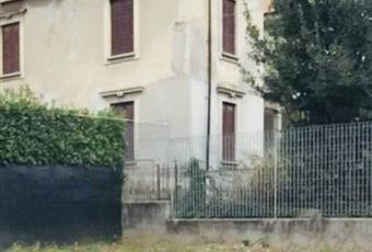 Bilocale in Vendita in Via Giuseppe Longhi 3 a Cantù