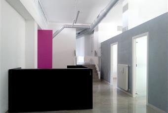Il salone è luminoso, il pavimento è di parquet, il pavimento è piastrellato Friuli-Venezia Giulia PN Maniago