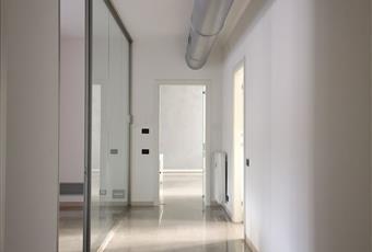 Il salone è luminoso, il pavimento è piastrellato, il pavimento è di parquet Friuli-Venezia Giulia PN Maniago