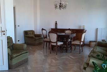 Il salone è luminoso, il pavimento è piastrellato, il bagno è luminoso Puglia BA Bari