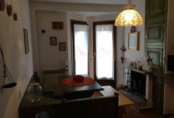 Il pavimento è piastrellato, il salone è luminoso Abruzzo AQ Ovindoli