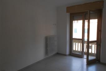 L alloggio al piano 2° è arredato di cucina componibile, quello al piani 1° completamente da arredare Piemonte AT Roatto