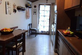 Il pavimento è piastrellato, la cucina è luminosa Valle d'Aosta AO Aosta