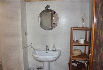 Terzo bagno, recentemente rinnovato e con box doccia in cristallo Puglia LE Squinzano