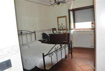 Compresa di bagno piccolo, la camera è luminosa, il pavimento è piastrellato Puglia BR Francavilla Fontana