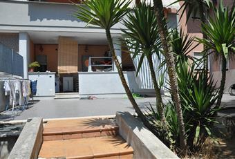 Giardino esterno con cancello che dà al parcheggio disponibile 1 posto auto  Puglia BR Francavilla Fontana