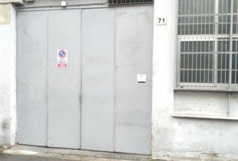 Il pavimento è di parquet, il garage è luminoso Lazio RM Roma