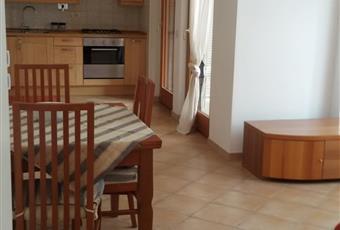 Il pavimento è piastrellato,2 finestroni con doppio vetro  Lazio RM Roma