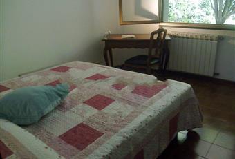 Il pavimento è piastrellato, la camera è luminosa Liguria GE Rapallo