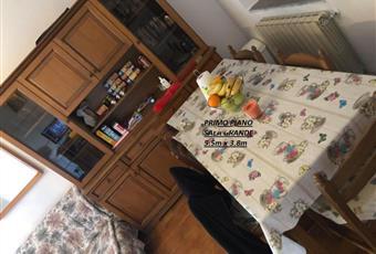 Il pavimento è piastrellato Toscana MS Tresana