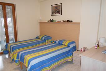 La camera è ampia e luminosa con porta finestra su ampio balcone coperto, matrimoniale o doppia Basilicata MT Matera