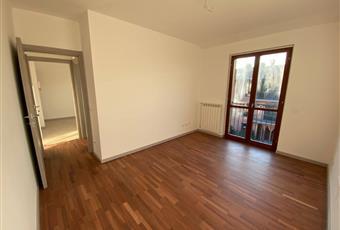 La camera da letto molto luminosa con pavimento in legno  Lombardia BG Capriate San Gervasio