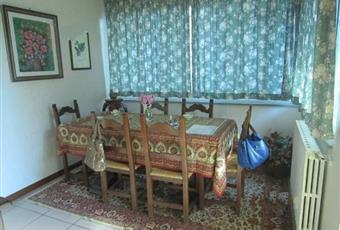 Il pavimento è piastrellato, il salone è luminoso Lazio RM Rocca Santo Stefano
