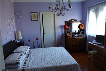 Il pavimento è di parquet, la camera è luminosa e climatizzata. Presenta una cabina armadio. Lazio RM Tivoli