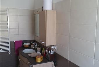Bagno ampio, con doccia.  Lazio RM Tivoli