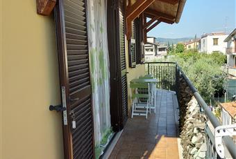 Balcone interamente esposto a sud, munito di ripostiglio esterno di ultima generazione e tettoia in legno.  Lazio RM Tivoli
