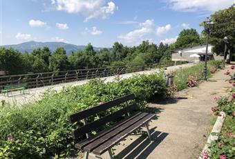 Il giardino è con erba Emilia-Romagna BO Bologna