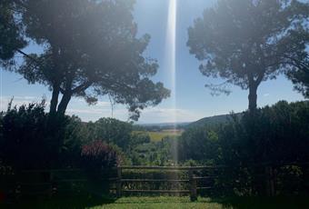 Il giardino è con erba Umbria PG Panicale