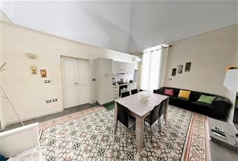 Il salone è con soffitto a volta, soffitto alto Puglia FG Manfredonia