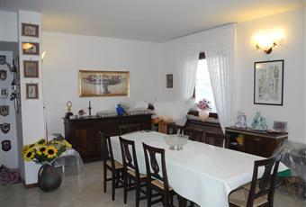 Il pavimento è piastrellato, il salone è luminoso Lazio VT Tuscania
