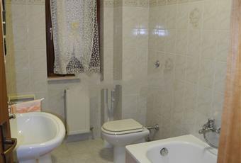 Il pavimento è piastrellato, il bagno è luminoso Lazio VT Tuscania