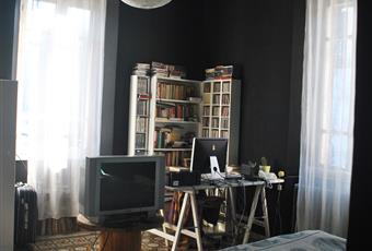 La camera padronale è molto ampia e luminosa (due finestre). La metratura è pari alla sala che attualmente è utilizzata come atelier. Piemonte AL Spigno Monferrato