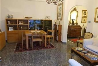 Il pavimento è piastrellato, il salone è luminoso Lazio RM Roma