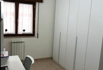 Il pavimento è piastrellato, la camera è luminosa Puglia BR Mesagne
