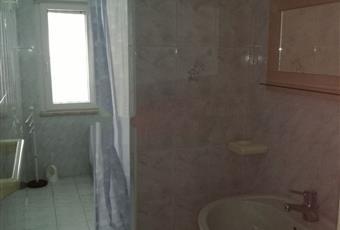 Il pavimento è piastrellato, il bagno è luminoso Puglia FG Lesina
