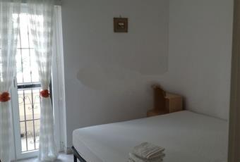 Il pavimento è piastrellato, la camera è luminosa Puglia FG Lesina