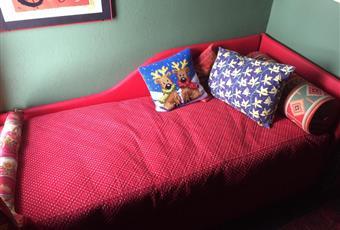 Seconda camera da letto con letto ad un piazza.  Volendo c'è spazio per un letto a castello o un letto ad una piazza e mezza. Valle d'Aosta AO Gressan
