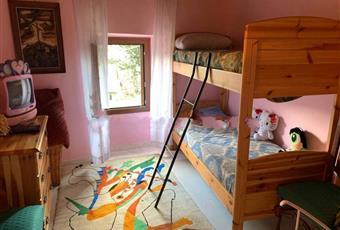 Il pavimento è piastrellato, la camera è luminosa Abruzzo PE Pescosansonesco