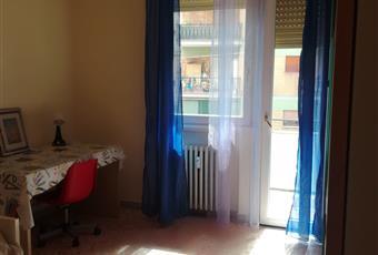 La prima stanza singola ha un prezzo di 370 euro/mese, la seconda 360 euro/mese, la terza 350 euro/mese Lazio RM Roma