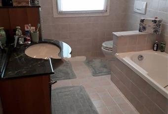 Il pavimento è piastrellato, il bagno è luminoso Veneto PD Cittadella