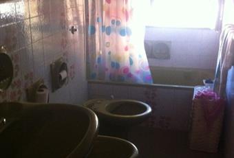 Il pavimento è piastrellato, la camera è luminosa Puglia BR Brindisi