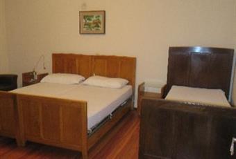 Il pavimento è di parquet, la camera è luminosa Piemonte VC Varallo