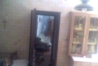 Cucina luminosa, abitabile, tavolo e sedie+ divano Sicilia AG Porto Empedocle
