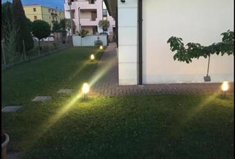Il giardino è con erba Emilia-Romagna MO San felice sul Panaro