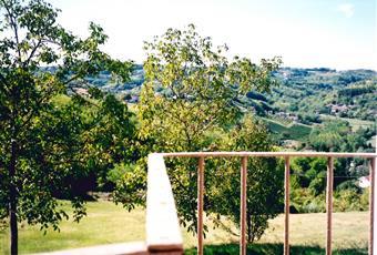 Terreno di proprieta', veduta dal terrazzo al primo piano, pozzo e vedute panoramiche delle colline poste difronte al casale Piemonte AL Acqui Terme
