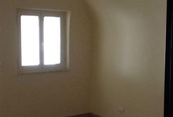 Casa con tre appartamenti