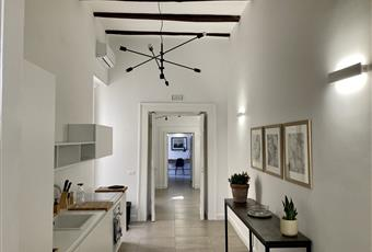 Cucina dotata di balcone con vista interna. molto luminosa Campania NA Napoli