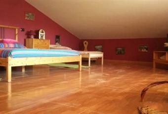 Il pavimento è di parquet Campania BN Castelvenere