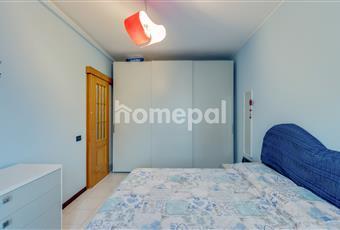 Camera da letto matrimoniale con balcone Lombardia MI Cinisello Balsamo