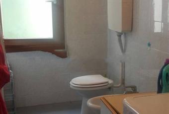 Il pavimento è piastrellato, il bagno è luminoso Veneto PD Padova