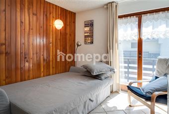 Soggiorno con cucina a vista e divano letto sfoderabile, dove poter ospitare 2 persone. Trentino-Alto Adige TN Dimaro