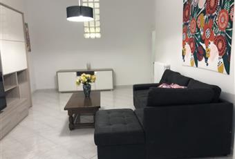 Salone grande, luminoso totalmente ristrutturato e con arredamento nuovo molto funzionale. Toscana LI Livorno