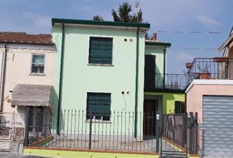 Il pavimento è piastrellato Emilia-Romagna FE Migliarino